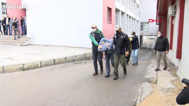Şehit polislerin mezarlarını, DEAŞ'ın sözde  Türkiye emirinin oğlu ve yeğeni tahrip etmiş