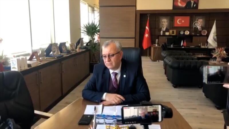 Keşan Belediye Başkanı Mustafa Helvacıoğlu,  vatandaşların gönüllü karantinaya girmelerini istedi