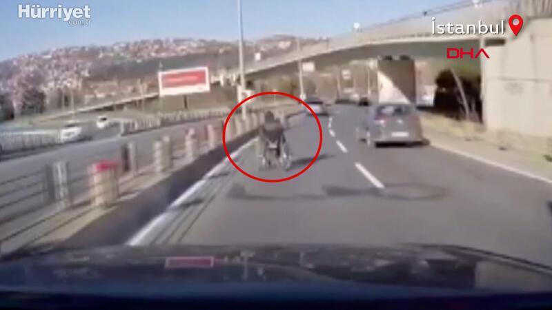 Akan trafikte tekerlekli sandalyeli kişiyi son anda fark etti