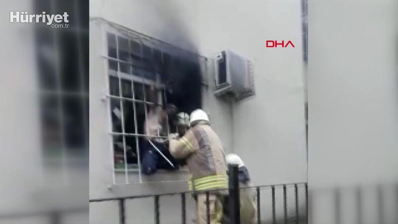 İtfaiye korkuluk demirlerini keserek  yangında mahsur kalan kişiyi kurtardı