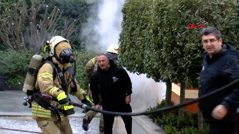 Cem Yılmaz'ın evinde yangın çıktı