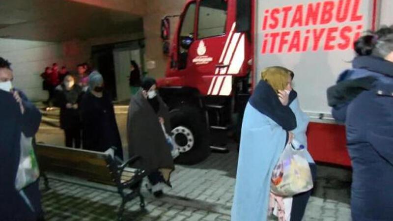 Zeynep Kamil Hastanesi'nde yangın... Hastalar tahliye edildi