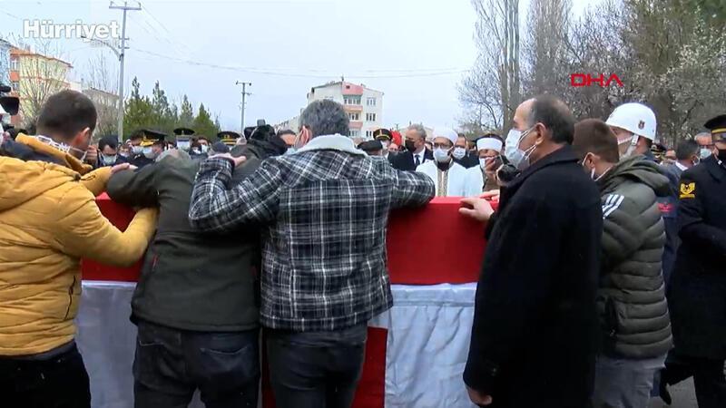 Şehit Jandarma Uzman Çavuş Erkan Erdem, son yolculuğuna uğurlandı
