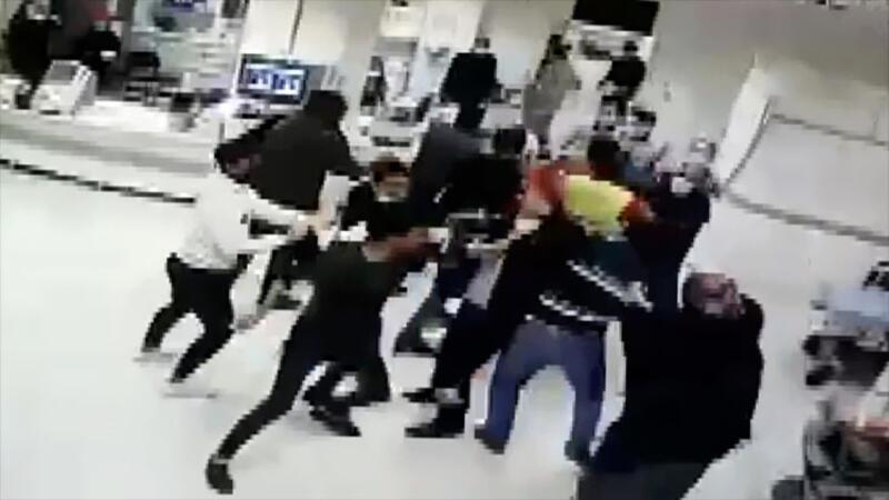 Sivas'ta sağlık çalışanlarına ve güvenlik görevlilerine uygulanan şiddet kameralara yansıdı