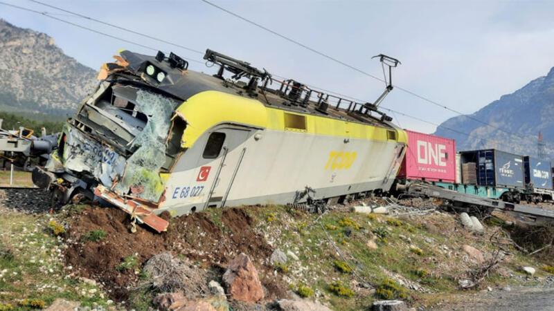 Adana'nın Pozantı ilçesinde tren kazası