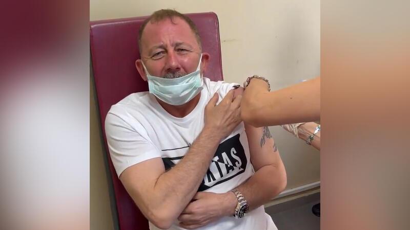 Sergen Yalçın Covid 19 aşısı olurken zor anları yaşarsa...