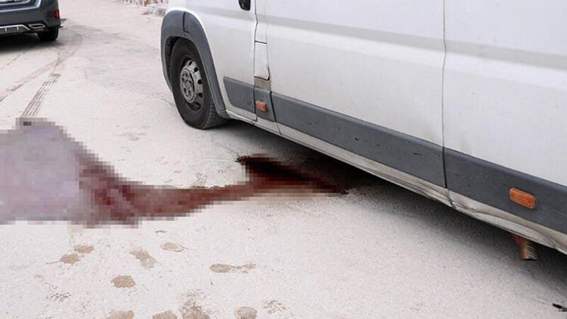 Afyonkarahisar'da kan sızan araçtan sakatat çıktı