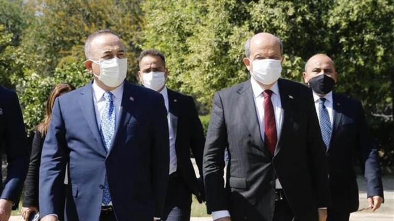 Dışişleri Bakanı Mevlüt Çavuşoğlu, KKTC Cumhurbaşkanı Ersin Tatar ile ortak basın toplantısı düzenledi