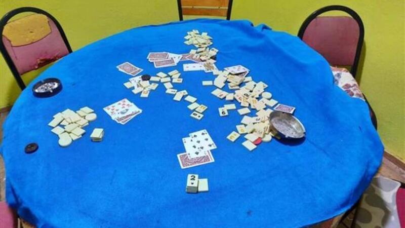 İzmir'de hayvan çiftliğinde tombala oynayan 62 kişiye işlem yapıldı