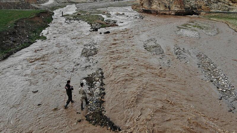 Ağrı'da, Murat Nehri'ne düşen 6 yaşındaki İpek için arama çalışması başlatıldı