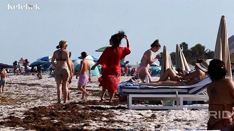Liv Tyler'ın plaj keyfi