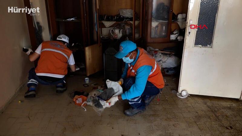 Kuşadası'nda yaşlı adamın yaşadığı evden 6 kamyon çöp çıktı