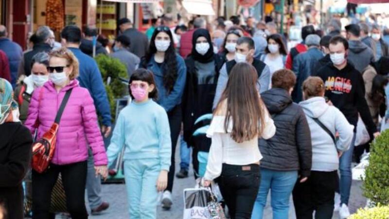 Eskişehir'de kısıtlama öncesi sokaklar doldu