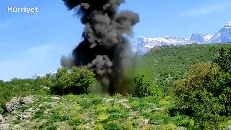 MSB paylaştı: Operasyonlarda teröristlere ait silah ve mühimmatlar yok ediliyor