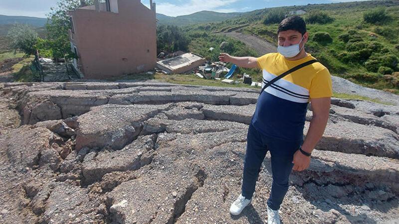 İzmir Harmandalı'nda yarıklar nedeniyle tahliye edilen ev yıkıldı, evler boşaltıldı