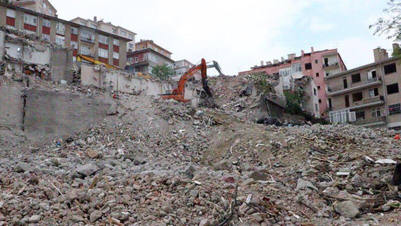 Ankara'da Açelya Apartmanı'nın çevresindeki binalarda yıkım sürüyor