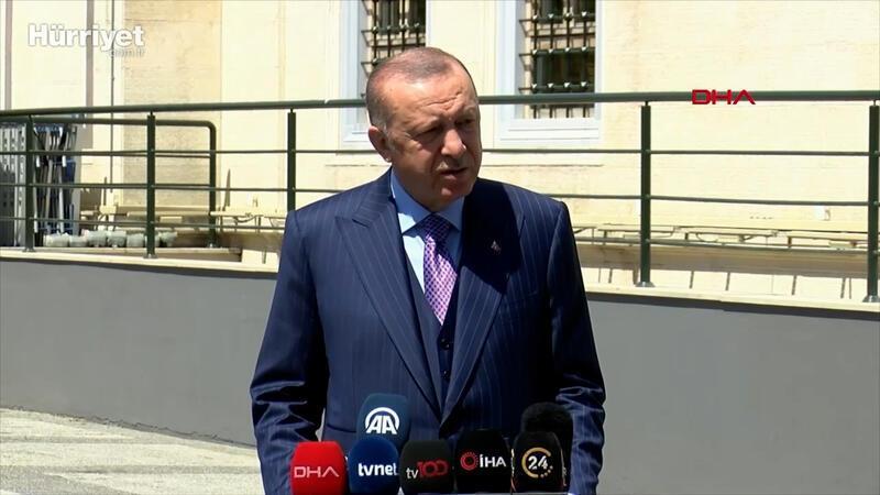 Cumhurbaşkanı Erdoğan, cuma namazı çıkışı sonrası soruları yanıtladı