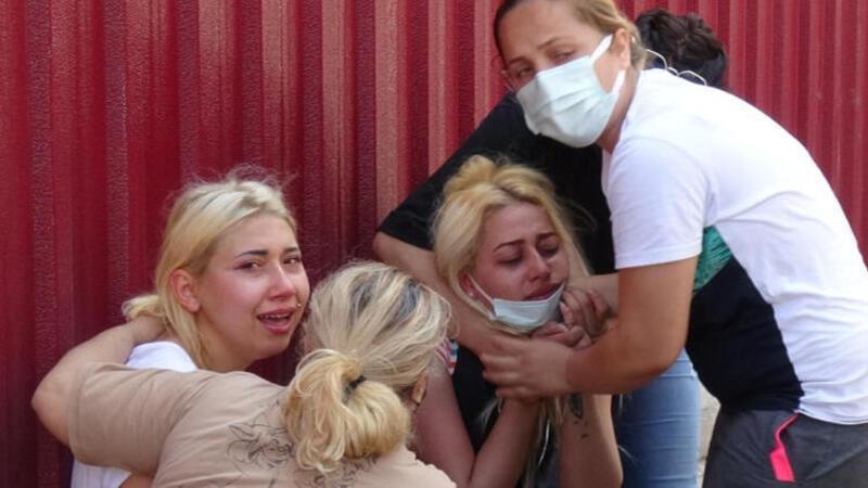 Mersin'de eşi tarafından bıçaklanan Semra Çetin yaşamını yitirdi! Evlerinin önünde gözyaşlarına boğuldular