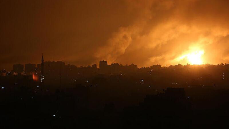 İsrail'in Gazze'ye yönelik bombardımanları görüntülere yansıdı