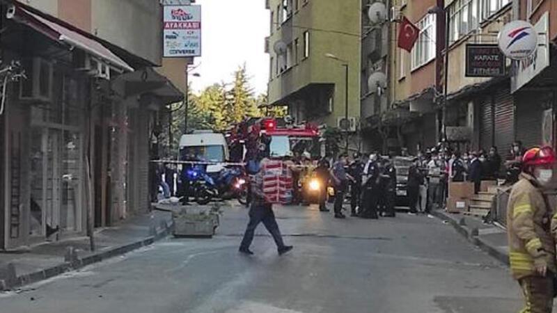 Şişli'de bulunan binada çökme tehlikesi