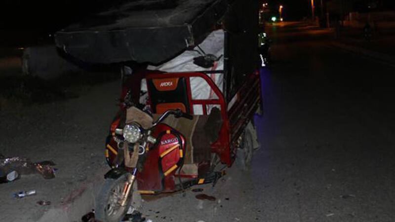 Otomobille motosiklet çarpıştı! Bir kişi yaralandı