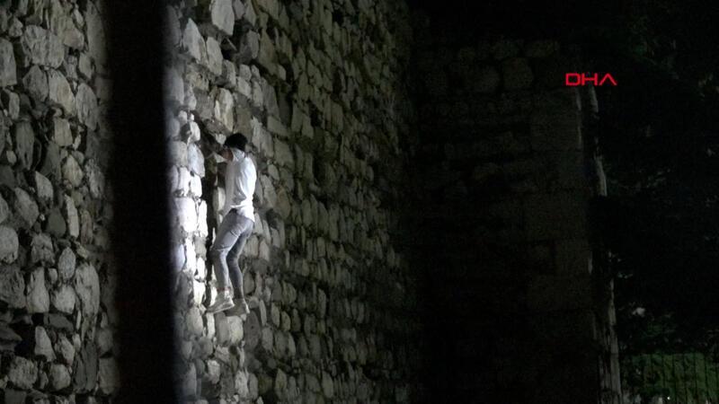 Çorum Kalesi'ne gece tırmanışını polis engelledi