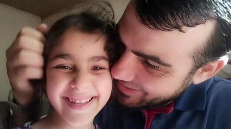 Kızlarının İsrail hava saldırısı korkusunu yenmeye çalışan Gazzeli baba bombardımanda hayatını kaybetti