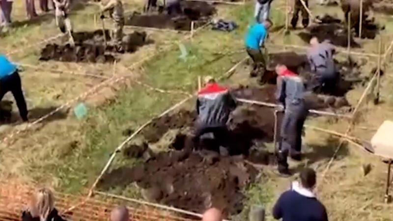 Rusya'da tepki çeken mezar yarışması