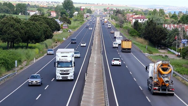 Tekirdağ-İstanbul yolunda trafik yoğunluğu