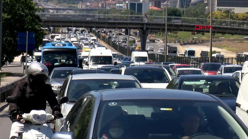 İstanbul'da tam kapanma sonrası ilk iş gününde trafik yoğunluğu
