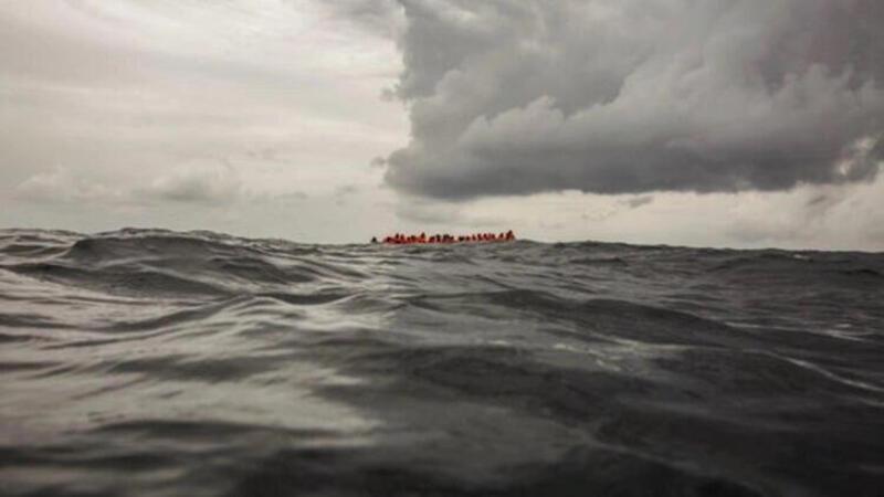 Tunus açıklarında tekne battı