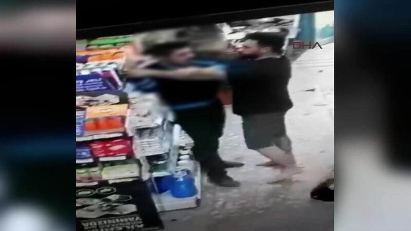Kasiyer, tartıştığı müşteriye kurusıkı tabanca ile ateş açtı!