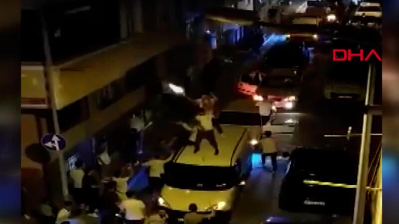 Sultangazi'de asker eğlencesinde hem dans etti, hem tabanca ateşledi