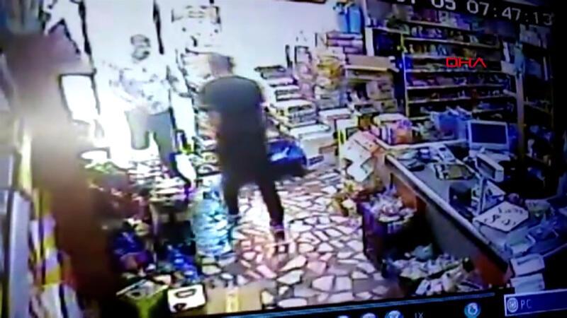 Market sahibi hırsızla kapıda karşı karşıya kaldı!