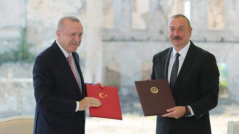 """Cumhurbaşkanı Erdoğan ile Azerbaycan Cumhurbaşkanı Aliyev, """"Şuşa Beyannamesi""""ni imzaladı"""