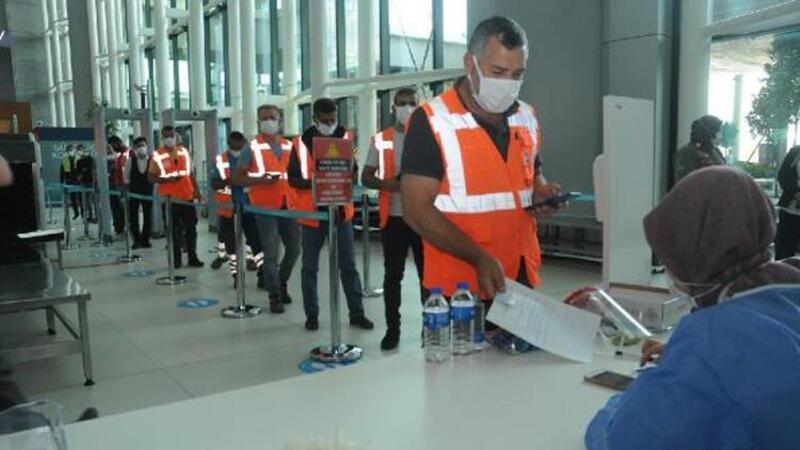 İstanbul Havalimanı'nda çalışanlara koronavirüs aşıları yapılmaya başlandı