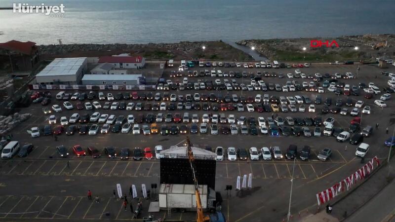 Rize'de, 'Arabalı Sinema' etkinliğinde renkli görüntüler