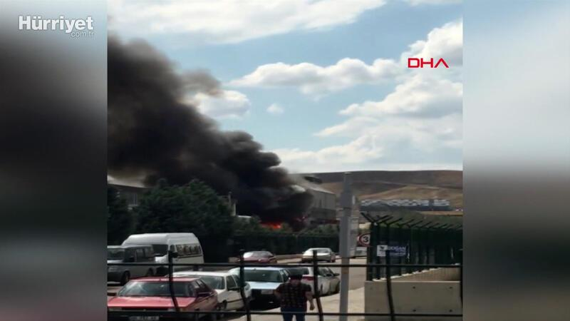 Ankara'da Organize Sanayi Bölgesi'nde plastik imalatı yapılan fabrikada yangın