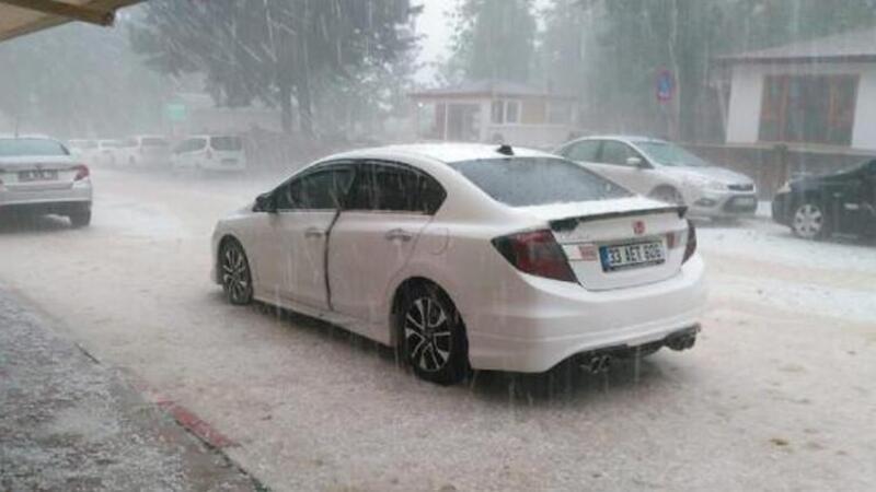 Burdur'da dolu yağışı etkili oldu