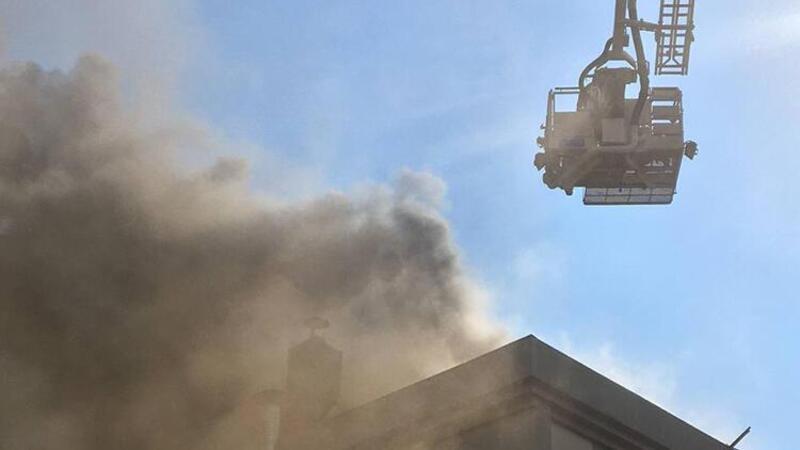 Bursa'da öğrenci yurdunun çatısında yangın