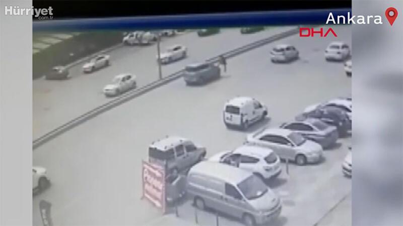 Otomobilin çarpmasıyla metrelerce savruldu; kaza anı kamerada
