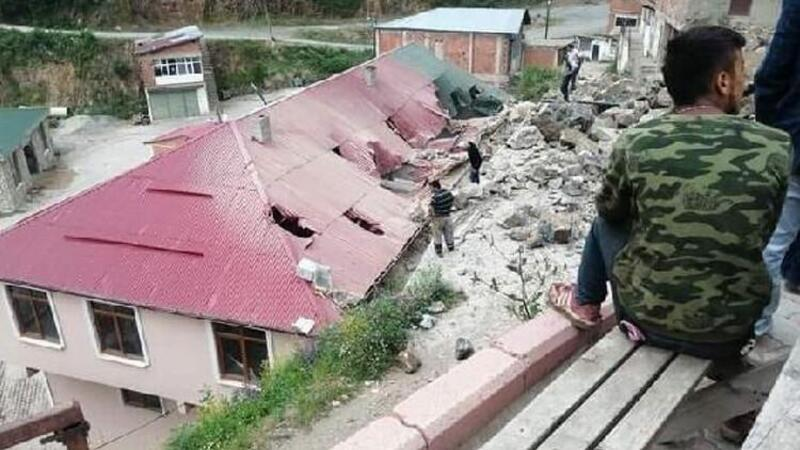 Giresun'da kontrollü patlama sonrası belediye binası hasar gördü! O anlar kamerada