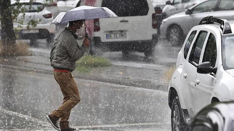 Silivri'de yağmur ve dolu etkili oldu