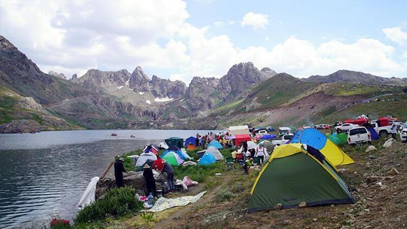Cilo Sat Dağları'ndaki doğal güzellikler doğaseverleri cezbetti