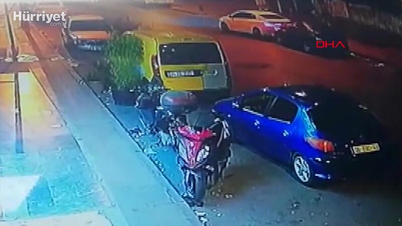 Esenyurt'ta otomobile çarptı; hiçbir şey olmamış gibi alışveriş yapıp gitti