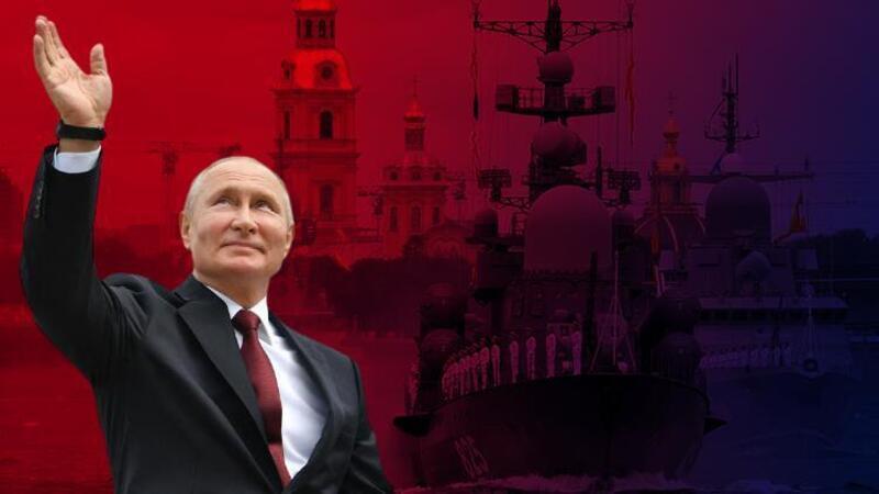 Rus Donanması Günü nedeniyle geçit töreni düzenlendi