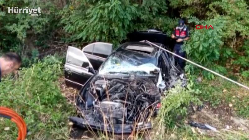 Kastamonu'da otobüs ve otomobil çarpıştı, 21 yaralı