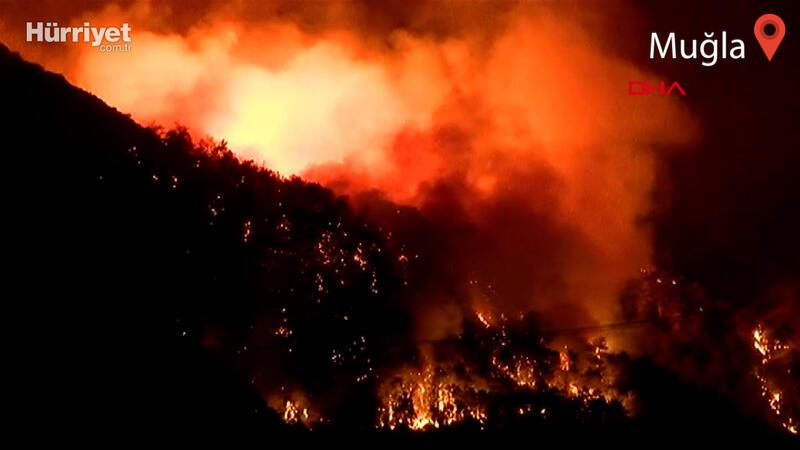 Marmaris'teki yangına müdahale devam ediyor