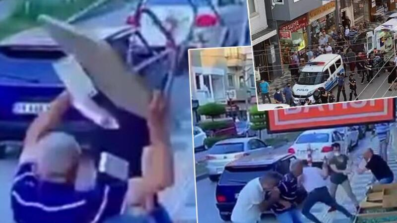 Baba ve oğlunun sokak ortasında bıçaklandığı kavga kamerada