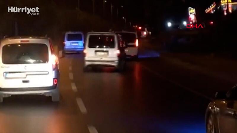 Trafik magandaları sürücüleri çileden çıkardı! Konvoy halinde zikzak çizdiler...